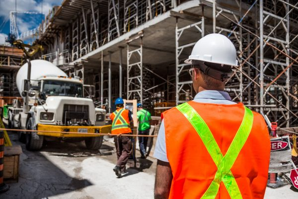 Tickets and Licenses You Need For a Job in Construction
